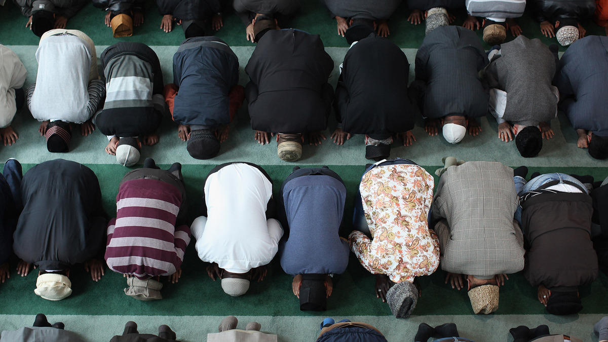 Defining the Muslim Mainstream: Who Are the Saved and Who Are the Sects?